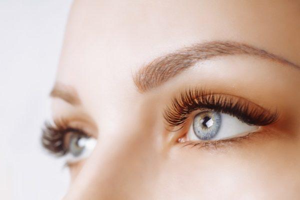 Get Long, Full Eye Lashes